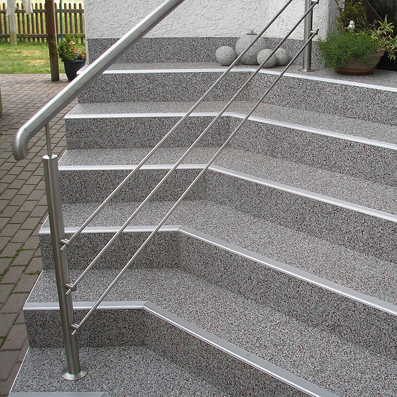 Treppenbeschichtung Steinteppich rutschfest